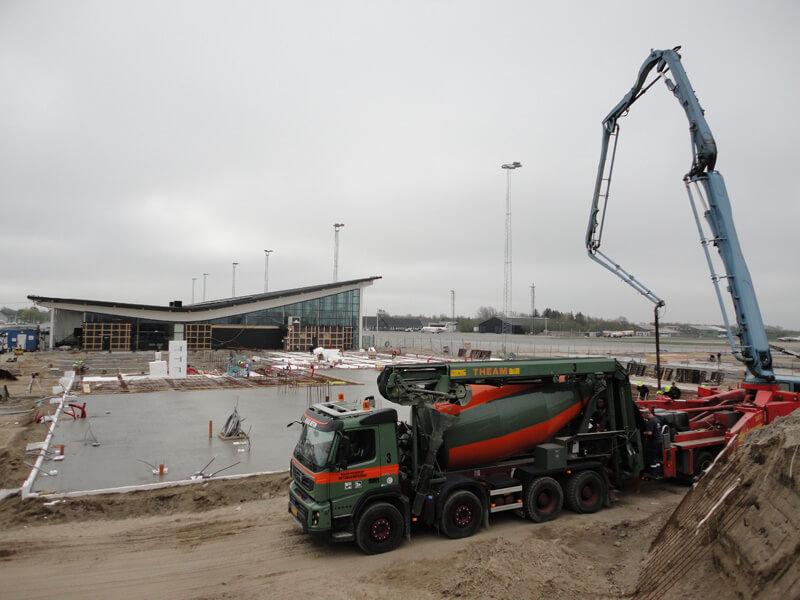Flydebeton til tilbygning i Aalborg Lufthavn