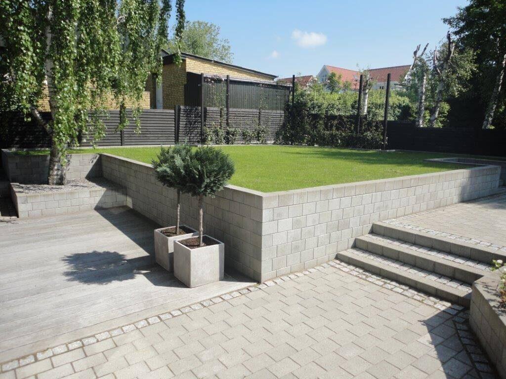 Grå Chr. 4-sten og Herregårdsblokke til haveanlæg